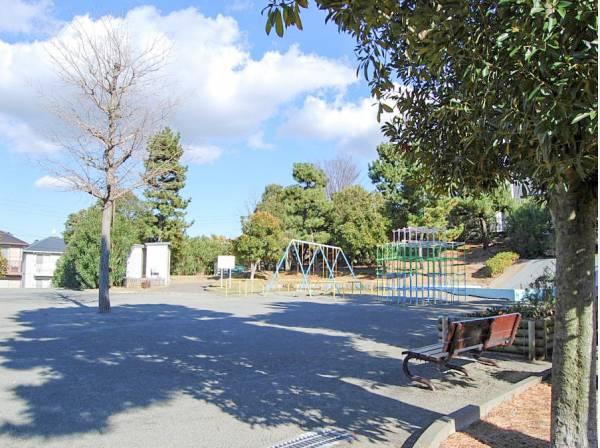 片瀬山南公園まで徒歩5分(約350m)