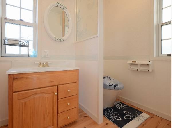 洗面台も各階にある嬉しい造り