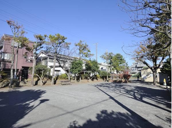 栄町公園まで徒歩5分(約350m)