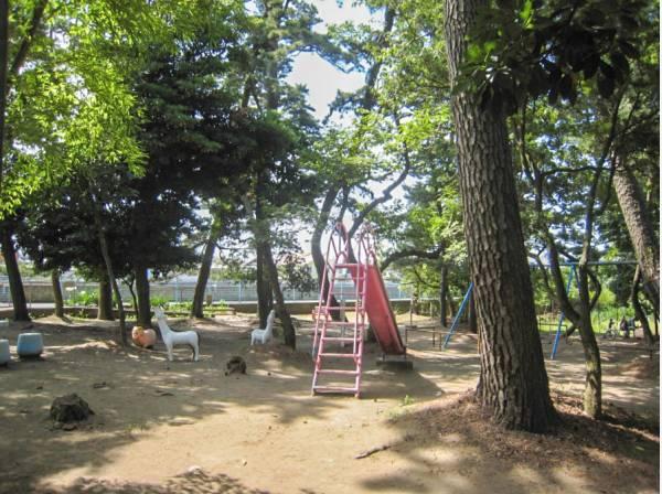 下藤が谷公園まで徒歩5分(約400m)