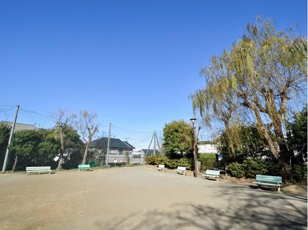 清水屋公園まで徒歩7分(約500m)