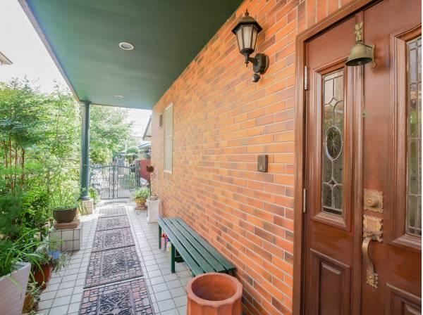 素敵な雰囲気の玄関アプローチ