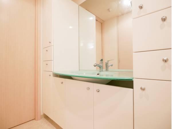 洗面室はとても広々