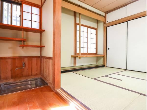 雰囲気のある茶室は癒しの空間になりますよ。