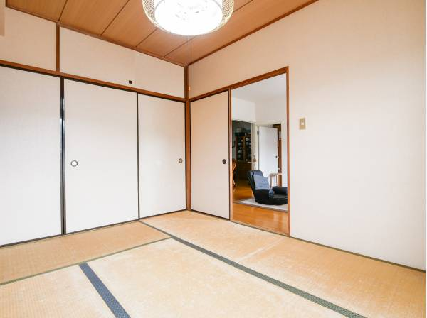 リビング横の和室は客間としても重宝できるでしょう