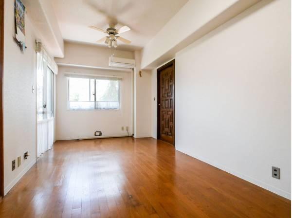 明るいLDK シンプルな間取りは家具の配置がしやすそうですね
