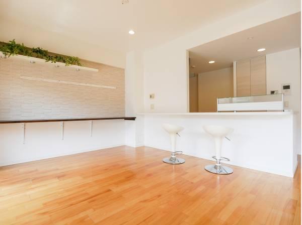 オシャレな造作棚は様々な用途で使えます。
