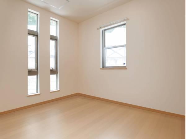 納戸画像に家具を消すCG合成したイメージ画像