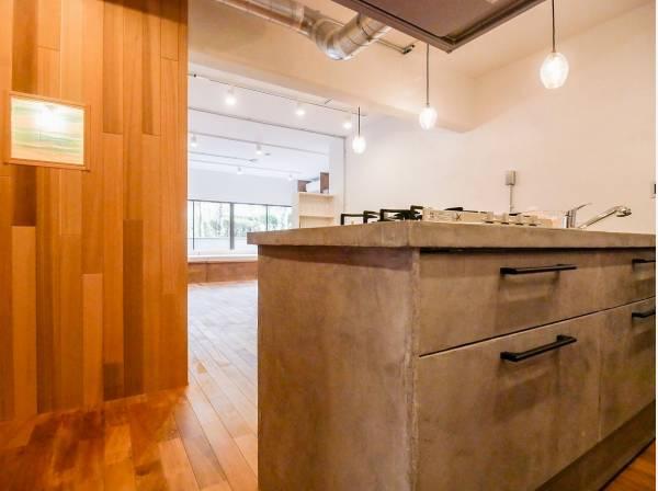 洗練されたデザインが魅力的なキッチン
