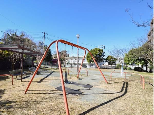 川名中丸第二公園がマンション前にあります♪