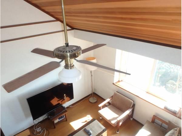 勾配天井がとても開放的です