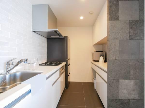 キッチンにも豊富な収納スペースを完備