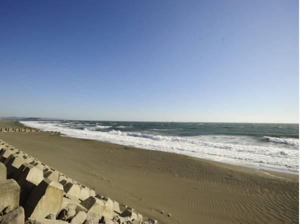 海まで徒歩11分(約850m)